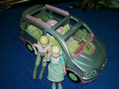 Fisher Price Loving Family Twin Car Seats Van Silver Plays Music 2007 W/2 Figure