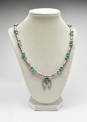 Vintage Navajo Naja Sterling Bench Bead Necklace - 22 Inches in length
