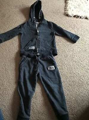 Boys 3-4years F&F Navy Tracksuit Good Condition