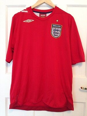 Men's Official Umbro Red england football shirt Size Large Excon