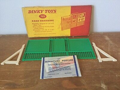 DINKY TOYS MODEL  No.765  ROAD HOARDING & POSTERS  VN MIB