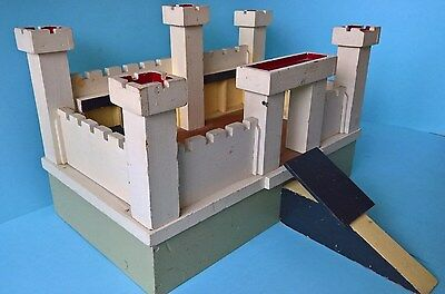 (B) Vintage Wooden Toy Fort / Castle for Lead / Metal / Plastic Toy Soldiers