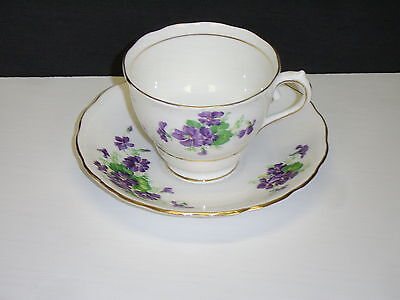 Colclough English Bone China Tea Cup and Saucer Purple Violets with Gold Trim