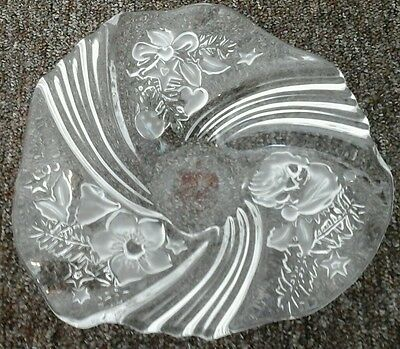 MIKASA Frosted Glass Holiday Medley Bon Bon Plate