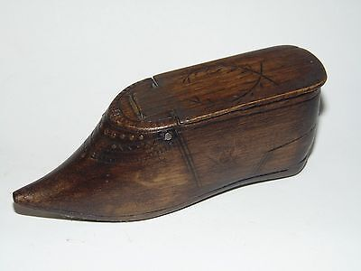 EARLY ANTIQUE 1800's TREEN WOODEN SHOE SNUFF BOX with CARVED DESIGN & HINGED LID