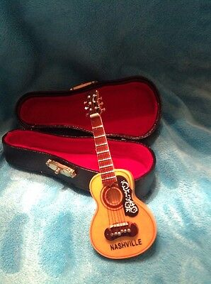 Nashville Tennessee Small Mini Guitar With Case Souvenir