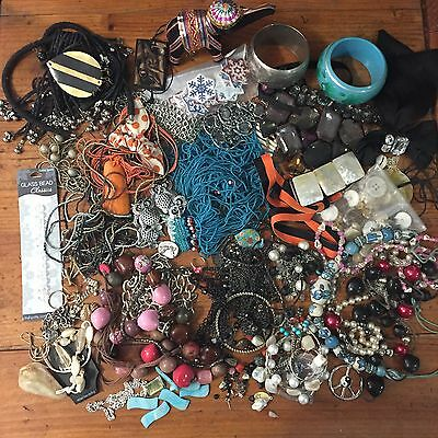 Craft 6 , Bulk Lot Of Broken And Wearable Jewellery Beads And Bits
