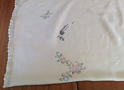 Vintage Linen Small Unfinished Embroidered Floral tablecloth