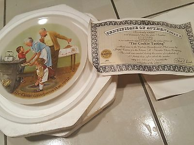 """3rd Issue KnowlesCollector Plate - """"The Cookie Tasting"""" Grandparent Series"""