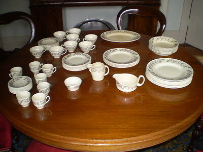 SUSIE COOPER DINNER SET- 1950's ENDON PATTERN- PLATES, CUPS, SAUCERS, BOWLS