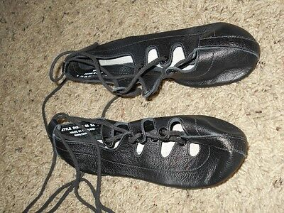 Girl's Black Irish Style Soft Sole Dance Shoes Size 5