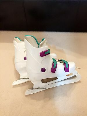 SSS women ice skates size 38 with guards