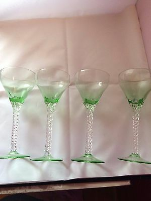 Stunning Set of 4 Uranium Champagne/Cocktail/Liquor Glasses With Twisted Stem