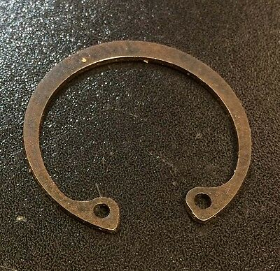 Front wheel hub bearing circlip for Lambretta