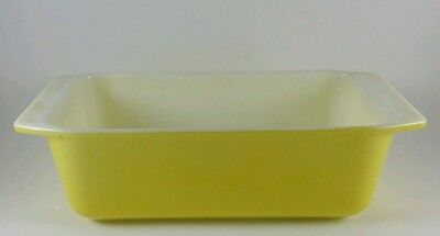 Vintage Pyrex yellow 8.5 x 4.5 bread loaf pan ovenware # 913 8 1/2 x 4 1/2