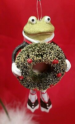 Adorable Krinkles Patience Brewster Tuxedo Frog holding Wreath Ornament Dept 56