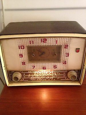 Vintage Philips Valve Radio chronoradio Model 155 circa 1957 with clock perfect