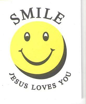 100 SMILE JESUS LOVES YOU Small Booklet Tract Christian Witness Gospel Salvation