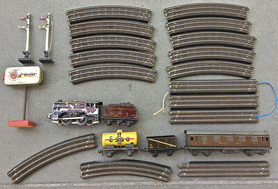 TRIX TWIN OO Gauge Locomotive, Signals and 3 Rail Bakelite Track