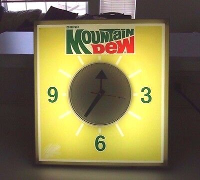 "RARE ORIGINAL 1970's MOUNTAIN DEW ADVERTISING CLOCK SIGN 16 x 15 x 4  ""  NICE  """