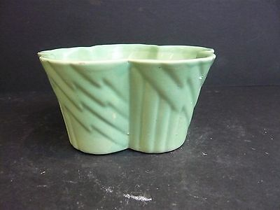 Vintage Soft Green Wade Pottery 5 Leaved Shallow Planter