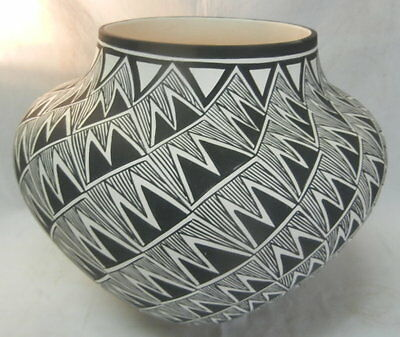 Native American Acoma Large Lightning Design Jar by Beverly Garcia