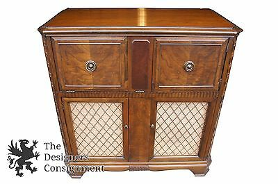 Vtg RCA Victor Phonograph Cabinet Model 51 AV1 Mahogany Finish Tube Radio Ships