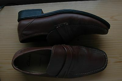Mens shoes CLARKS tan / brown slip on size 9 extra wide