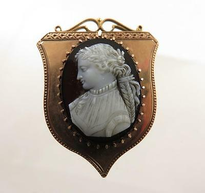 EXQUISITE 18k VICTORIAN HARDSTONE SARDONYX CAMEO LADY WITH LONG BRAIDED HAIR