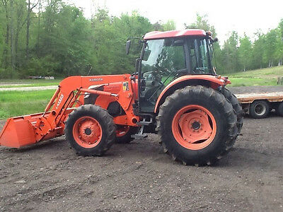 Kubota M9540 4X4 Tractor with Loader