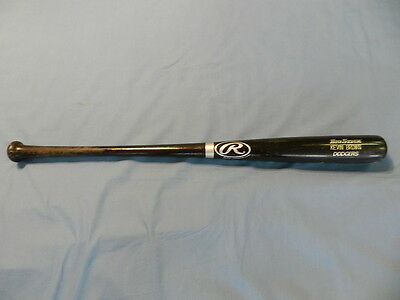 Kevin Brown 2002 Los Angeles Dodgers game used bat uncracked, 6 time All Star !