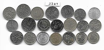 World x 30 Mixed Coins All Differant small silver colour