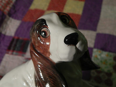 """Ceramic BASSET HOUND by Norcrest (JAPAN POTTERY) Vtg. *Adorable* """"Lifted Paw""""(="""
