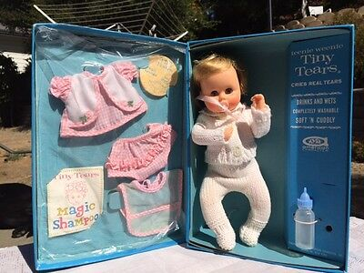 """RARE 1964 Teenie Weenie Tiny Tears NIB with EXTRA OUTFIT 8 1/2"""" and accessories"""
