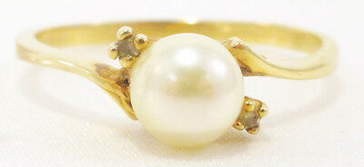 10k Solid Gold Pearl & Diamond Ring Great Lustre Classy Piece Can Be Sized