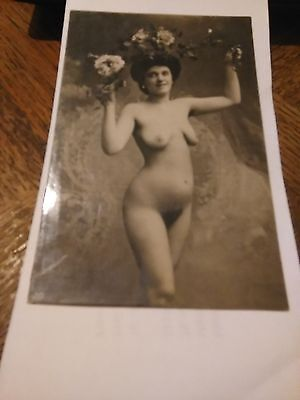 Cpa Femme Nue Total