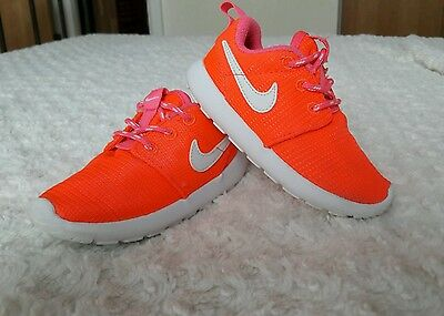 NIKE shoes for a baby girl size UK 6.5
