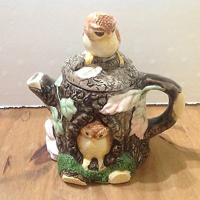 Novelty Teapot In Shape Of Tree With Owls