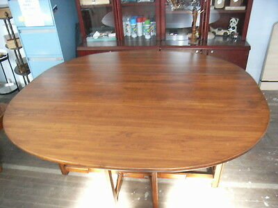 Oval Dining table drop sides collectables