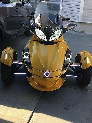 2013 Can-Am STS  can-am spyder