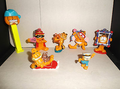 Old/vintage Garfield Key Chains / Pez / Figurines Lot Of 7