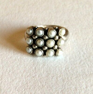 Silver and freshwater pearl ring