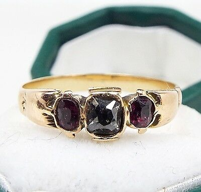 Antique Georgian / Victorian 18ct Gold Mine Cut Diamond and Ruby Ring / Size M