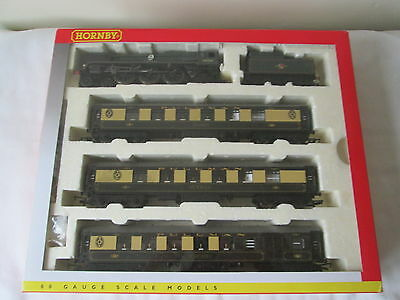 Hornby OO Gauge R2886M The Cunarder Train Pack Rebuilt B.o.B + 3 Coaches