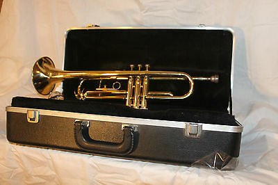 Vintage Brass Besson Trumpet w/Hard Black Shell Case with mouthpiece #407820