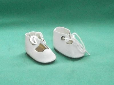 Puppenschuhe aus Kunstleder weiss/ doll shoes of artificial leather white