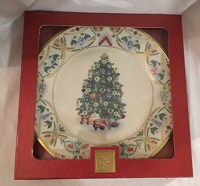 LENOX 2000 Christmas Trees Around The World Gifts Angels Candles SWEDEN Plate