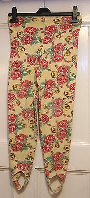 Girls M & S   lovely  floral   Trousers under foot straps  age 6 yrs  117 cm