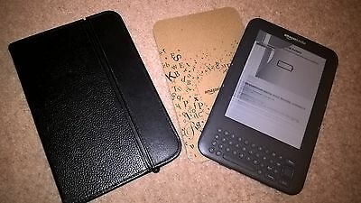 Kindle Keyboard (3rd Gen) 4GB,Wi-Fi, 6in-Graphite incl. cover integrated light