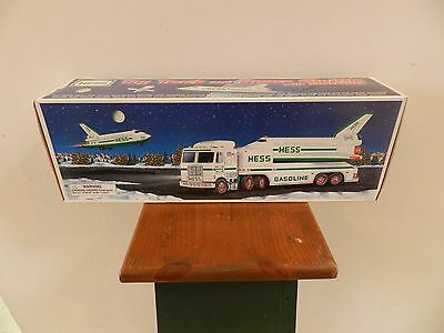 1999 HESS TRUCK AND SPACE SHUTTLE WITH SATELLITE (Kept in box)